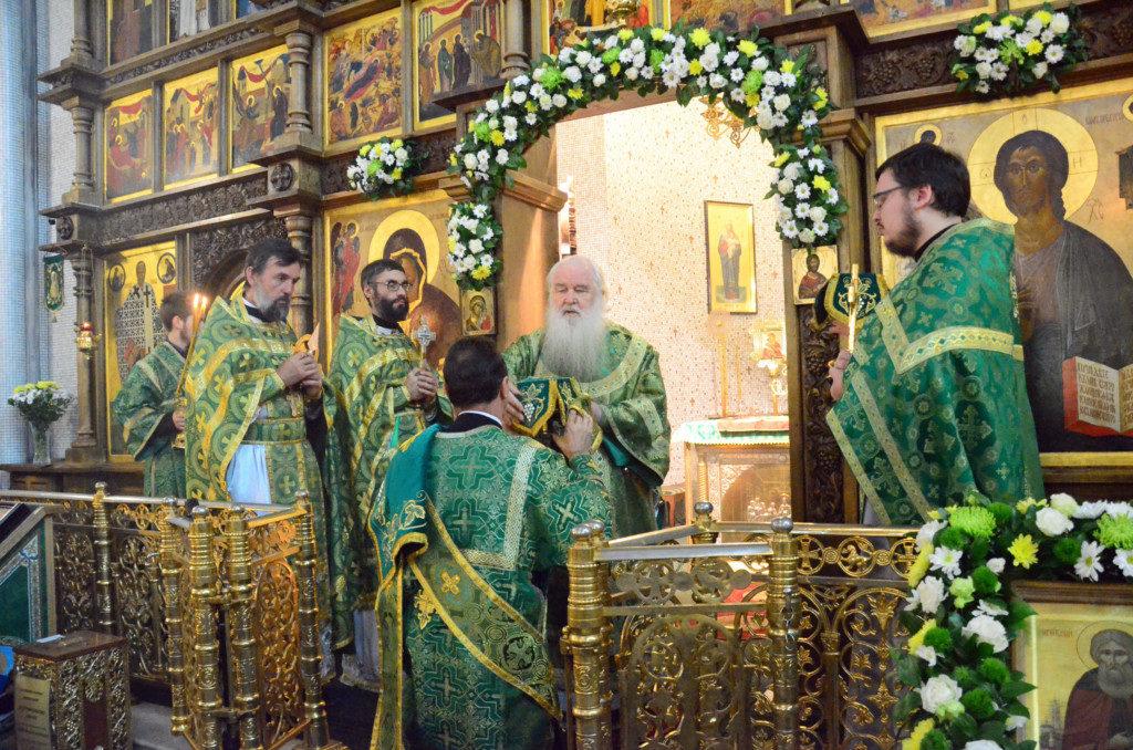 Храм Сергия Радонежского Волгоград Божественная литургия